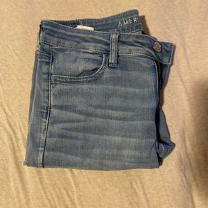 Light wash American eagle high rise jeans